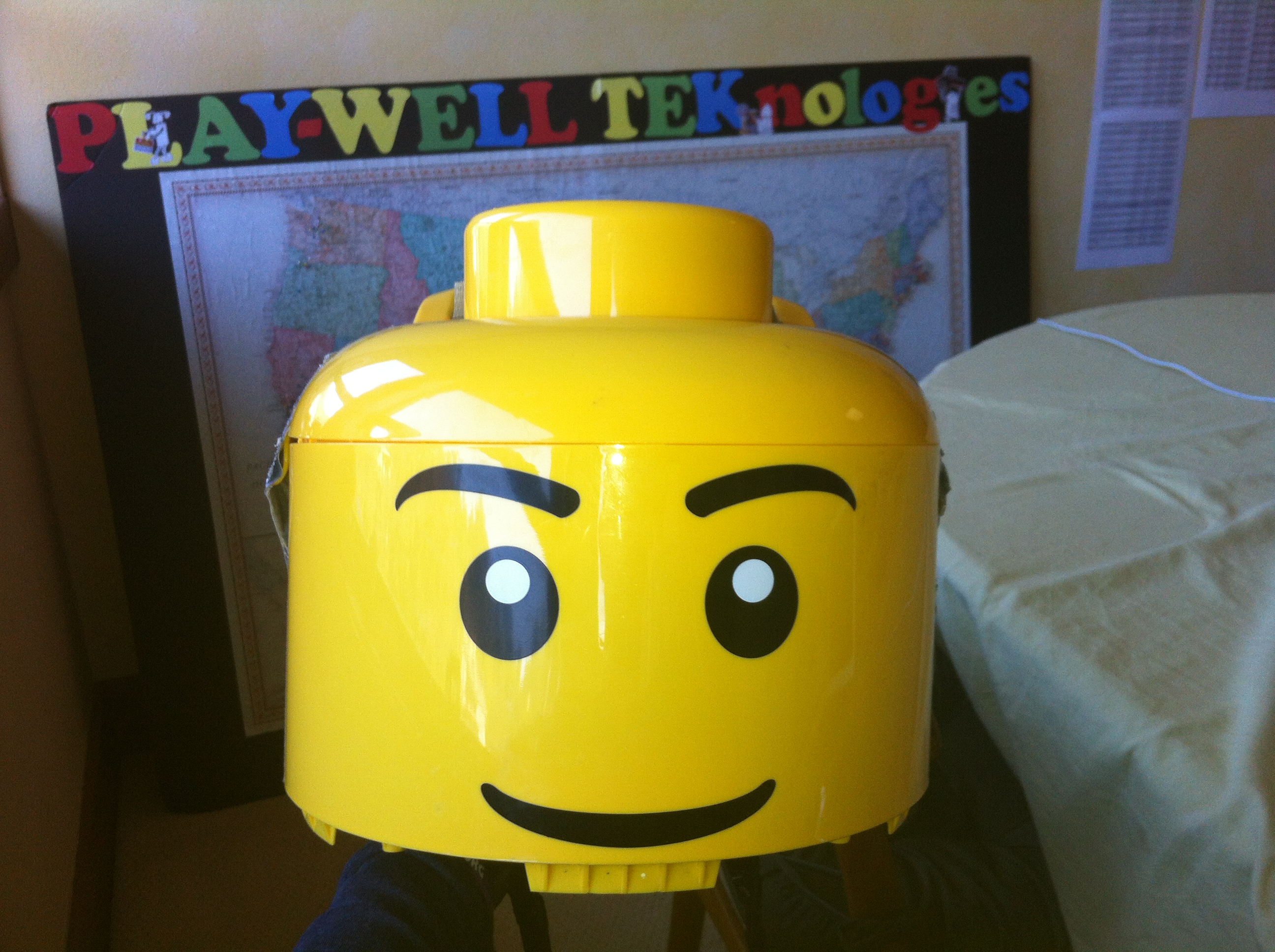 Need a last minute halloween costume build a lego minifigure need a last minute halloween costume build a lego minifigure costume in 30 minutes solutioingenieria Choice Image