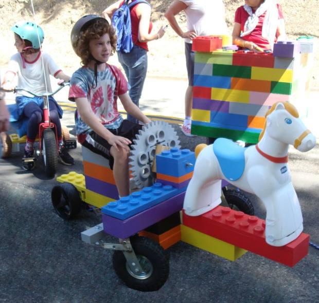 LEGO Parade Car